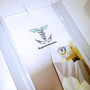 Personnalisation de vos paravents Médicaux avec impression et logo de l'établissement