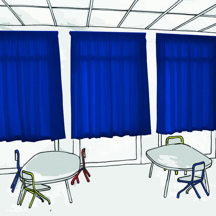 Rideaux pare-soleil M1 AB&W dans salle de classe